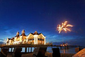 Feuerwerk zur Hochzeit auf der Seebrücke Sellin