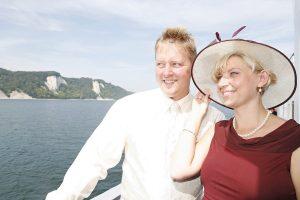 Trauung auf einem Schiff mit Blick auf die Kreidefelsen auf Ruegen